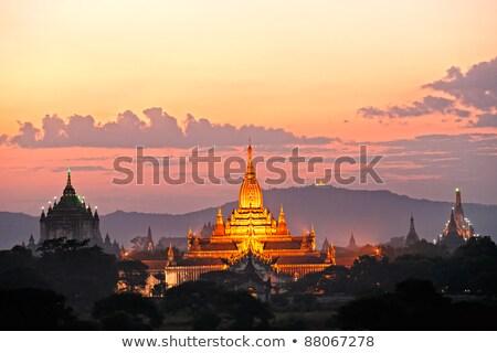 Mianmar estátua templo guardião dentro velho Foto stock © romitasromala