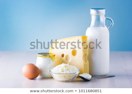 lait · fromages · table · en · bois · alimentaire · verre - photo stock © karandaev