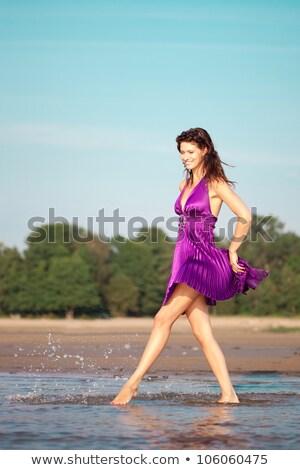 Przepiękny młoda kobieta stwarzające plaży dziewczyna twarz Zdjęcia stock © amok
