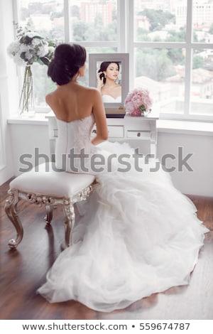 Fiatal menyasszony külső tükör menyasszonyi reggel Stock fotó © dashapetrenko