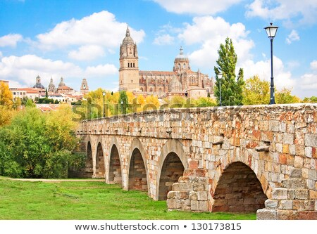 Horizonte romana puente río España iglesia Foto stock © lunamarina