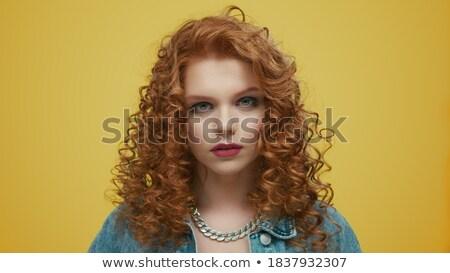 Ernstig geconcentreerde dame student poseren Stockfoto © deandrobot