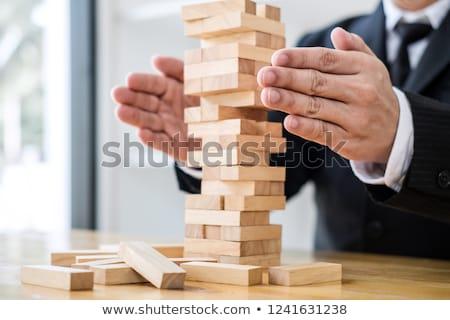 negocios · hombres · de · negocios · inestable · papel · empresario · trabajador - foto stock © freedomz