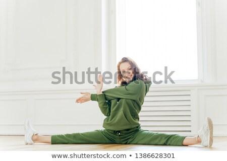 привлекательный молодые тонкий женщину рук гибкий Сток-фото © vkstudio