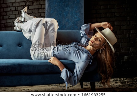 Mooie dame cowboyhoed sexy vrouw grijs vrouw Stockfoto © Aikon