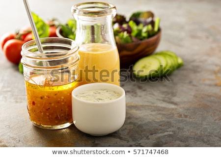 サラダドレッシング · ボウル · クリーミー · 皿 · クローズアップ - ストックフォト © digifoodstock