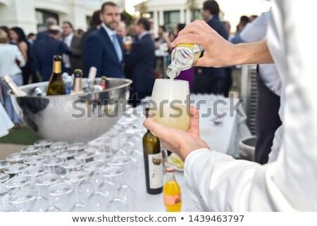 Barman cerveza clientes bar contra Foto stock © wavebreak_media