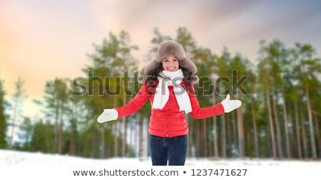 Stockfoto: Gelukkig · vrouw · bont · hoed · winter · bos