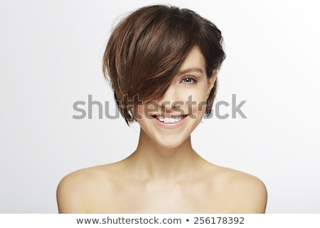 Portret mooie kort haar vrouw naar camera Stockfoto © PawelSierakowski