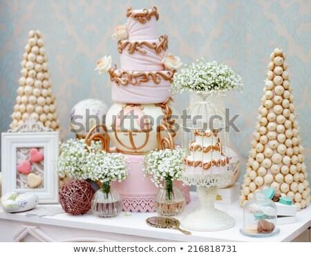 közelkép · gyönyörű · esküvői · torta · esküvő · férfi · nők - stock fotó © dashapetrenko
