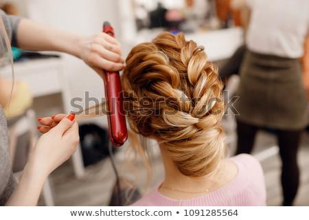 Kobieta włosy stylista fryzura młodych Zdjęcia stock © deandrobot