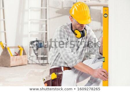 建設作業員 · 垂直 · レベル · ツール · 建設 · 壁 - ストックフォト © zurijeta
