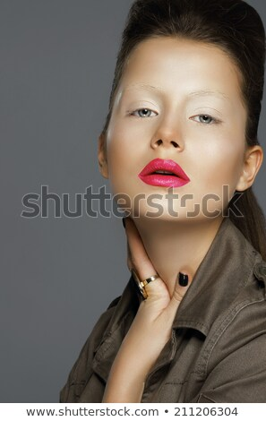 Foto stock: Surpreendente · asiático · modelo · tocante · pescoço · mãos