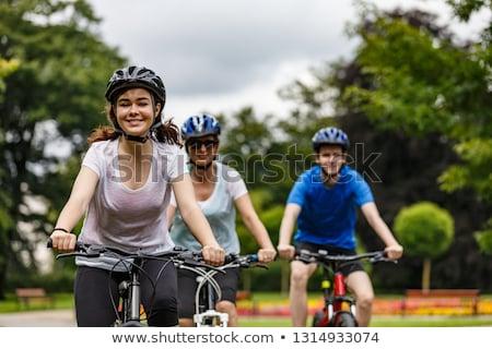 Gruppo ragazzi bikes ragazza sport fitness Foto d'archivio © IS2