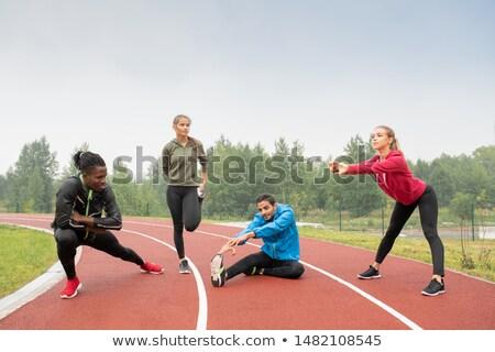 Giovani sani uomini donne abbigliamento sportivo outdoor Foto d'archivio © pressmaster