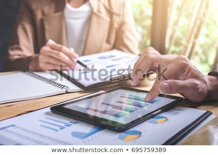 equipe · de · negócios · financeiro · tecnologia · negócio · empresário · empresária - foto stock © freedomz