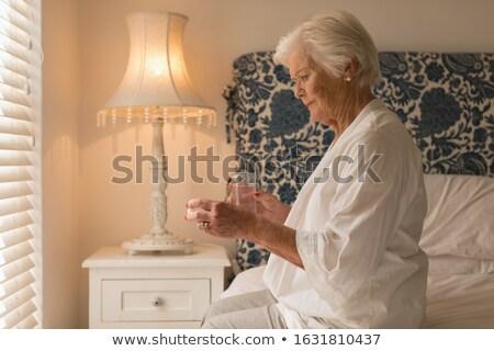 старший · женщину · воды · медицина · домой · возраст - Сток-фото © wavebreak_media