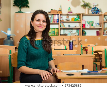 jonge · leraar · denken · bureau · boeken · witte - stockfoto © Rebirth3d