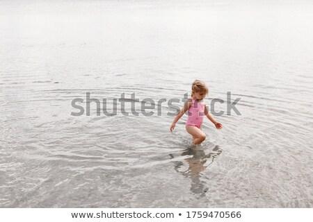 dzieci · dziewczyna · nogi · piasek · na · plaży · brzegu - zdjęcia stock © lunamarina