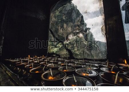 vaj · lámpák · buddhista · kolostor · fém · gyertya - stock fotó © dutourdumonde