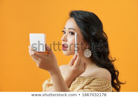 mulher · para · cima · olhos · escove · cara - foto stock © deandrobot