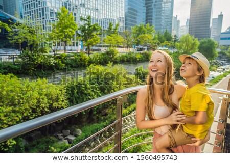 Mom Sohn Touristen Wasserfall Kinder Stock foto © galitskaya
