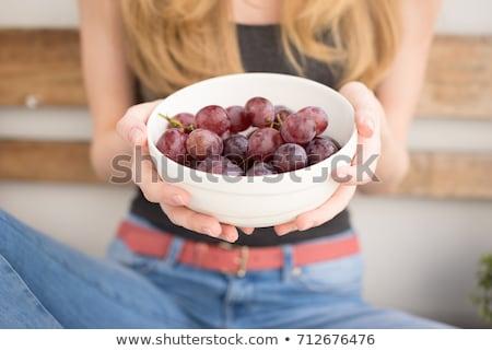 loiro · mulher · alimentação · monte · uvas · menina - foto stock © photography33