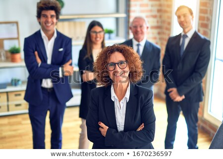 portret · geconcentreerde · zakenvrouw · telefoon · geïsoleerd · witte - stockfoto © hasloo