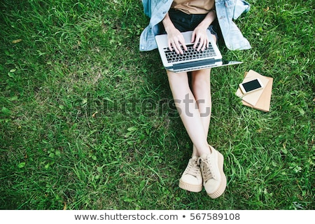 park · boldog · fiatal · nő · eldobható · kávéscsésze · tart - stock fotó © Fisher