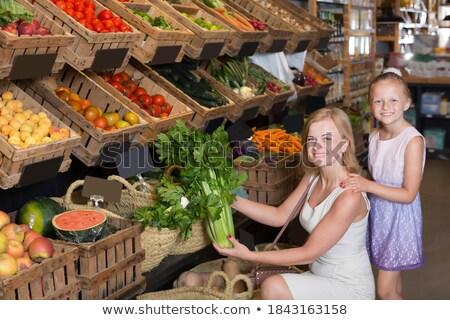 familia · nina · comprar · col · supermercado · nina - foto stock © Paha_L