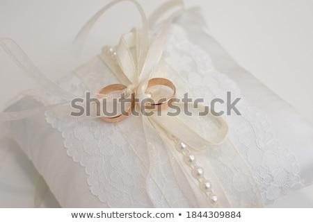 Szeretet gyűrűk kettő arany eljegyzés szó Stock fotó © user_9834712