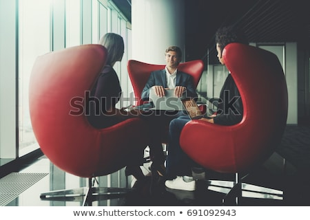 imprenditore · rosso · laptop · costoso · suit · costruzione - foto d'archivio © is2