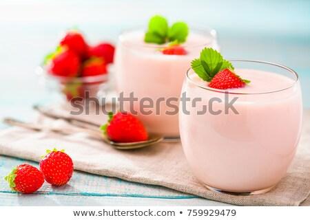 イチゴ · ヨーグルト · 新鮮な · イチゴ · 木製 · 自然 - ストックフォト © zerbor