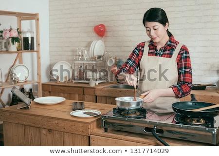 nina · cocina · la · preparación · de · alimentos · mujer · cocina · casa - foto stock © lordalea