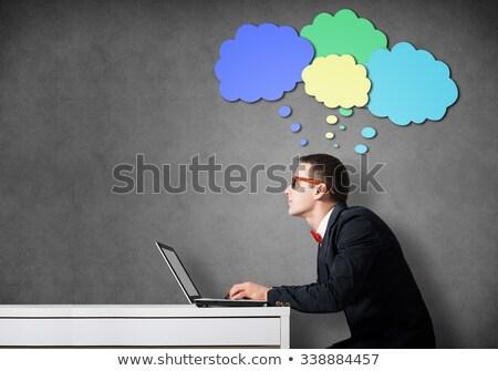 男 ノートパソコン 思考バブル 実例 ラップトップを使用して 男性 ストックフォト © lenm