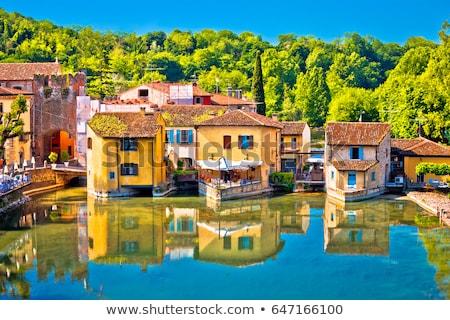 川 のどかな 村 表示 地域 イタリア ストックフォト © xbrchx