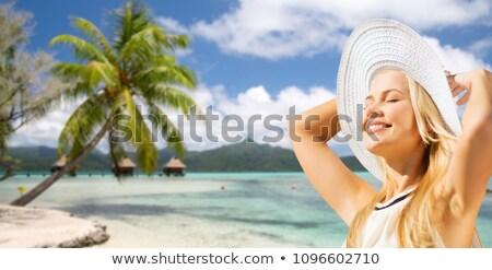 Foto d'archivio: Felice · donna · spiaggia · tropicale · bungalow · viaggio · turismo