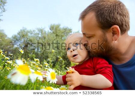 Pai cedo trinta filho beijo bochecha Foto stock © dacasdo