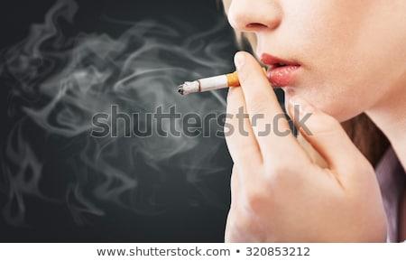 roken · vrouw · sigaret · home · gezicht · gezondheid - stockfoto © novic