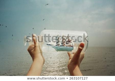 speelgoed · schip · fles · glimlach · zomer · tanden - stockfoto © winterling