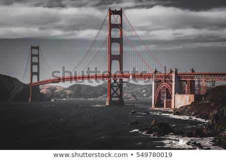 Golden Gate Bridge vagues San Francisco eau paysage mer Photo stock © hanusst