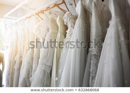 Kaufen Hochzeitskleid positive Braut Auswahl Berater Stock foto © pressmaster