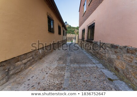 Madri · estreito · beco · rocha · calçada · alto - foto stock © vaximilian