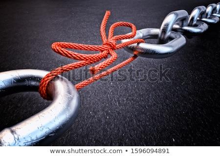 gyenge · láncszem · lánc · szerszámok · sötét · rozsdás - stock fotó © flipfine
