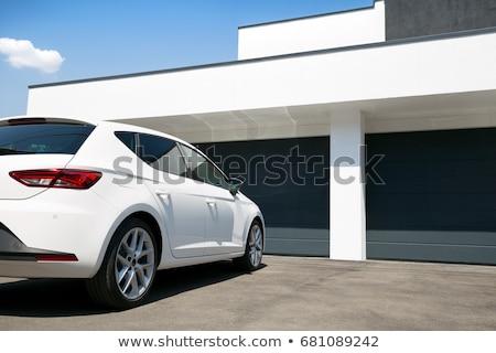 Casa blanca coche carretera isla cielo nubes Foto stock © cherezoff