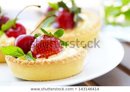 Tatlı küçük krema pasta taze meyve meyve Stok fotoğraf © Digifoodstock