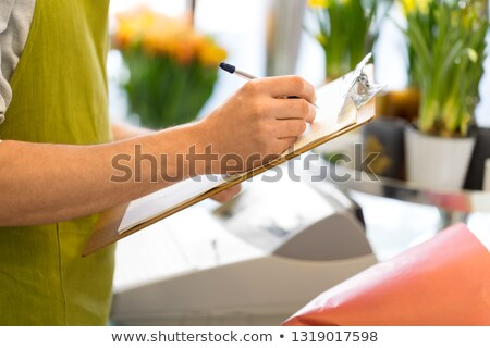 Homem clipboard pessoas venda Foto stock © dolgachov