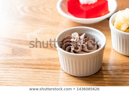 puding · eper · mártás · házi · készítésű · granola · fehér - stock fotó © mpessaris