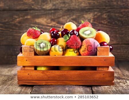 vers · Rood · rijp · appels · vruchten · houten - stockfoto © Illia