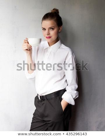 nő · ül · asztal · klasszikus · borotva · vonzó - stock fotó © iordani